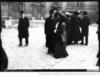 http://henri-poincare.ahp-numerique.fr/files/omeka25-poinca/85/1909-poincare-academie_713.jpg